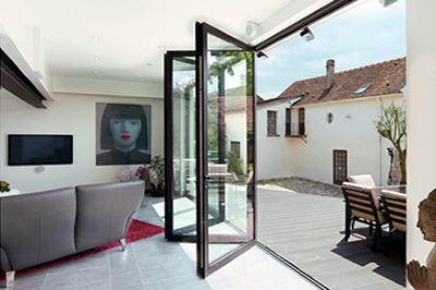 smooth RAUM aluminium bi-folding doors from Solihull WDC